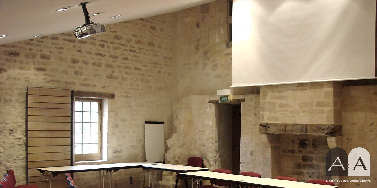 Abbaye-saint-amant-de-boixe-location-salle-auditorium