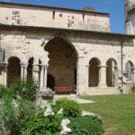 Abbaye-saint-amant-de-boixe-location-salle-cloitre-02