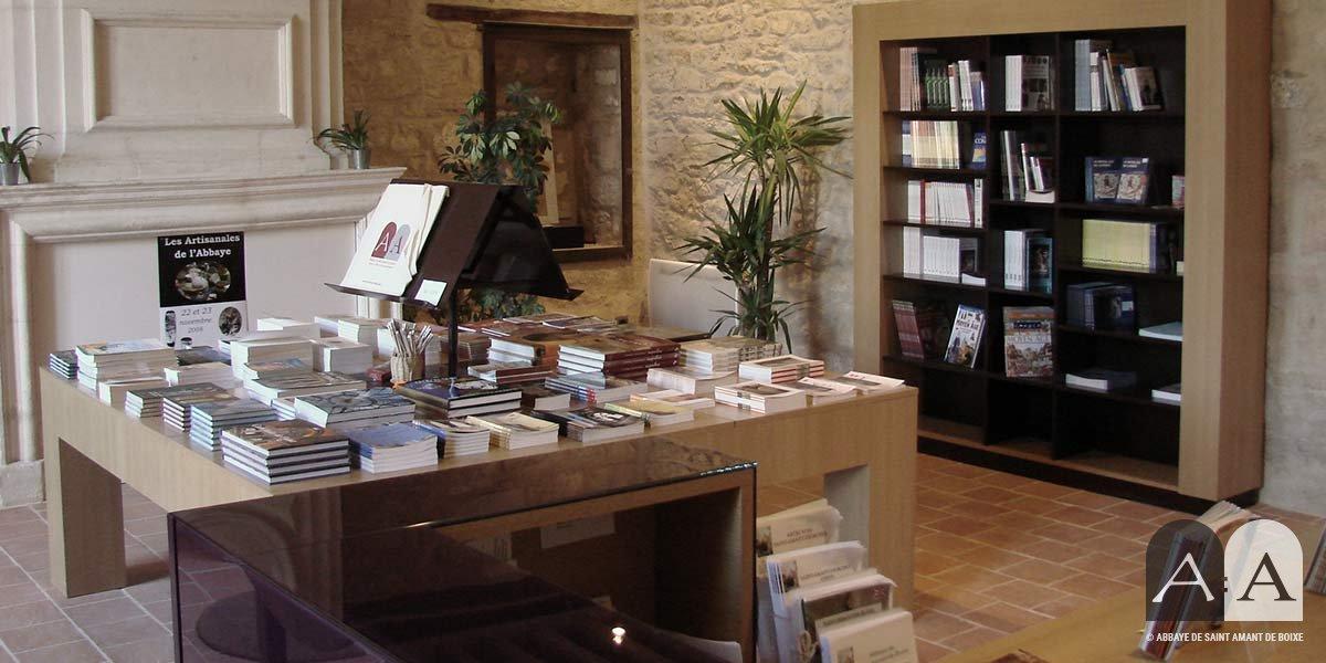 abbaye-saint-amant-de-boixe-espace-architecture-romane-02