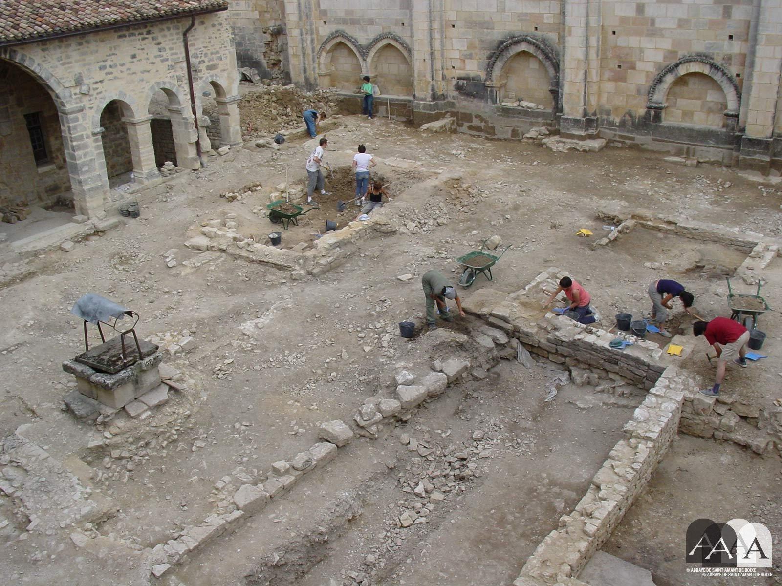 abbaye-saint-amant-de-boixe-histoire-fouilles