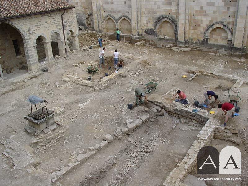 abbaye-saint-amant-de-boixe-programme-fouilles-archeologiques
